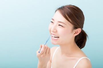 美容 イメージ 歯磨き