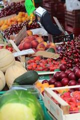 Obstmarktstand in Italien