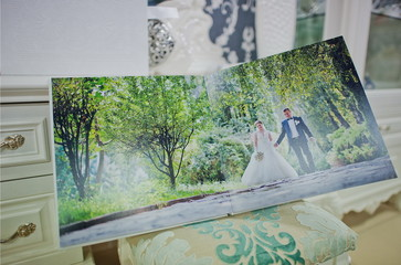 twist white wedding  photo book
