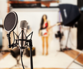Singing microphone in studio
