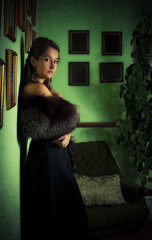 lady in old house