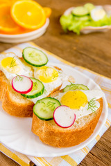 Buns with eggs and vegetables