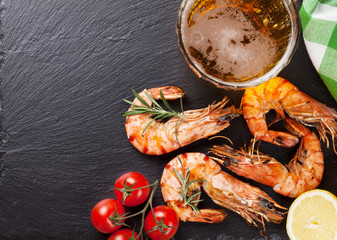Poster Coquillage Beer mug and grilled shrimps