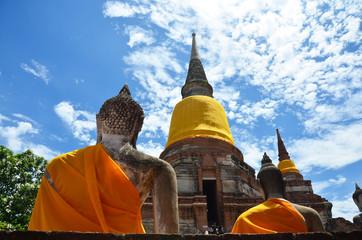 Prang and Buddha Statue of Wat yai chai mongkhon