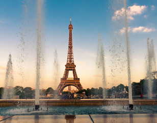 Eiffel Tower (La Tour Eiffel) with fountains.