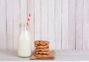 Milk Bottle Straw Cookies