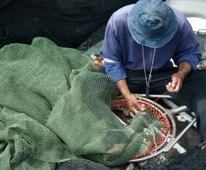repairing fishnet