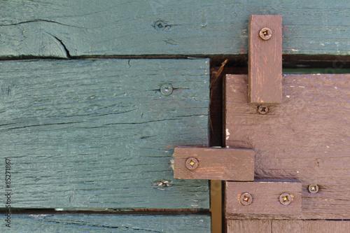 t rverriegelung aus holz an einem gartenh uschen stockfotos und lizenzfreie bilder auf fotolia. Black Bedroom Furniture Sets. Home Design Ideas