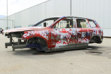 skeleton auto color spray and sprayed graffiti