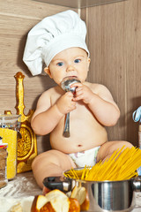 Малыш-поварёнок