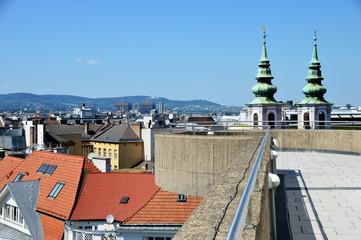 Aussichtsterrasse mit Blick über die Dächer von Wien