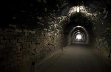 Stores à enrouleur Tunnel Black tunnel