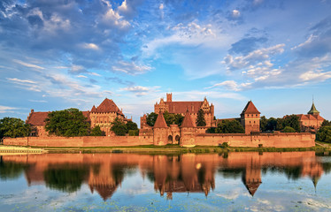 Fotorolgordijn Kasteel Teutonic Knights in Malbork castle in summer. World Heritage Lis