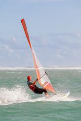 planche à voile sur lagon de Trou d'Eau, île de la Réunion