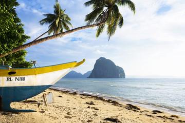 Philippines, Palawan, El Nido, Las Cabanas beach, fishing boat at beach