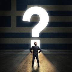 Geschäftsmann steht vor leuchtendem Fragezeichen-Portal in einer Griechenland-Wand