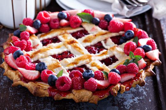 Berry lattice pie