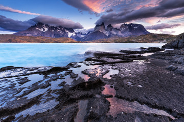 Chile, Torres del Paine National Park, sunrise at Lago Pehoe
