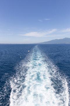 船の航行跡(航跡)