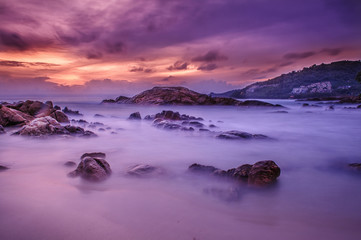 Photo sur Plexiglas Prune Beautiful view of the coast phuket