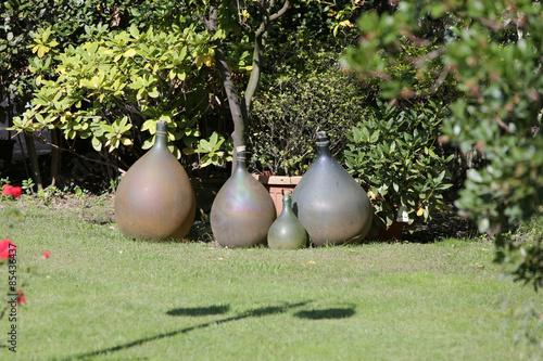 Grün, Sträucher, Rasen, Garten, Dekoration, Statue, Flaschen