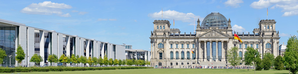 Photo sur Aluminium Berlin Reichstag Building -Stitched Panorama