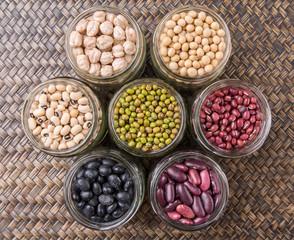 Photo sur Aluminium Beans Variety In Mason Jars