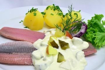 """Matjes """"Hausfrauen Art"""" mit Kartoffeln"""