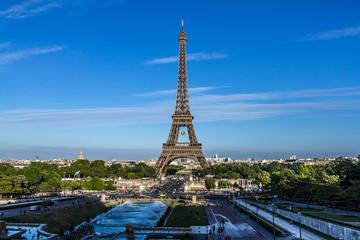 Tour Eiffel (Eiffel Tower). Paris, France.