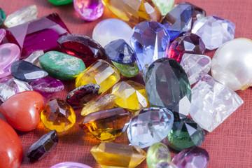 Gemme e pietre preziose colorate