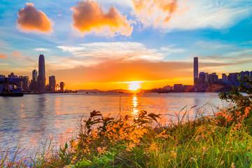 Fotomurales - Sunset at Victoria Harbor of Hong Kong