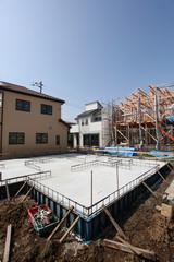 木造2階建て住宅の建築現場 イメージ 基礎工事
