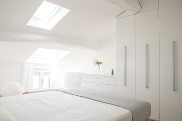 camera da letto luminosa