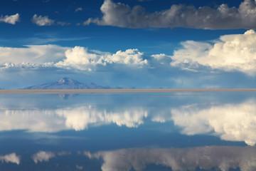 Salar de Uyuni is largest salt flat in the World, Altiplano, Bol
