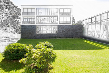 Bauplanung, Entwurf  für modernes Gebäude mit Park