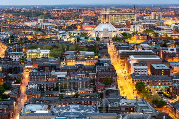 Fototapete - Liverpool skyline and Metropolitan cathedral