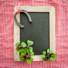 Tafel mit Gluecksklee