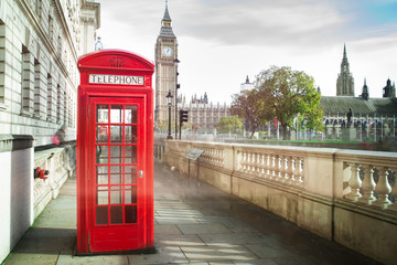 Foto op Canvas Londen Big ben and red phone cabine in London