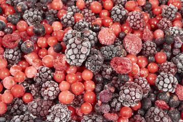 Hintergrund aus vielen gefrorenen Beerenfrüchten