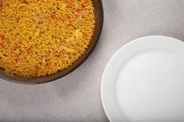 paella pan vs white dish