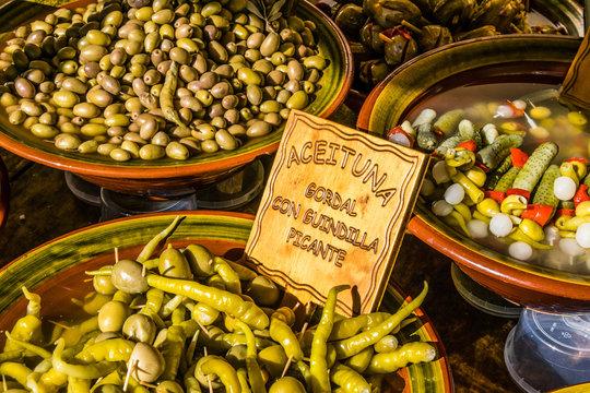 Oliven, Gurken, Peperoni
