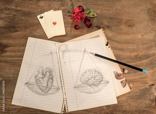 Disegno A Matita Di Cuore E Cervello Con Carte Da Gioco