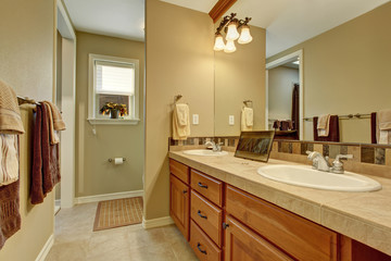 nice bathroom with tile floor.