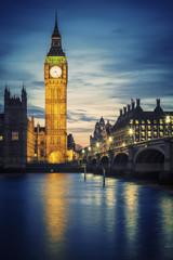 Photo sur Plexiglas Londres Famous Big Ben tower in London at sunset