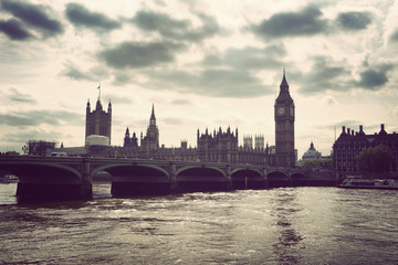 Fotomurales - River Thames and the Houses of Parliament