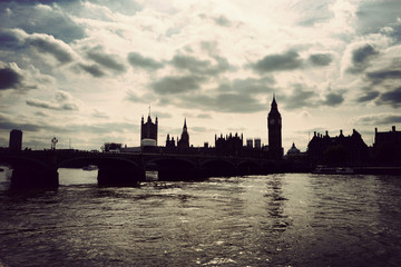 Fotomurales - Silhouette of the Houses of Parliament, London
