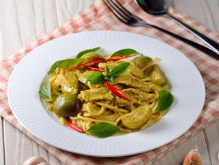 Green curry spaghetti.