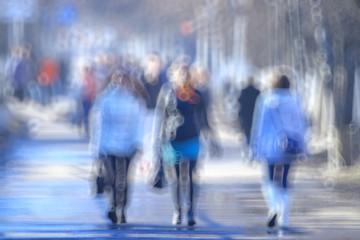 blurred background defocusing city people crowd