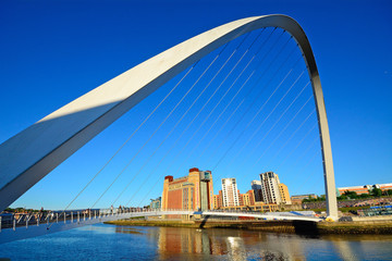 Foto auf Leinwand Dunkelblau Bridge on Tyne River, Newcastle, England