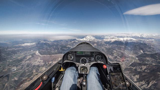 Cockpitaussicht über die Alpen